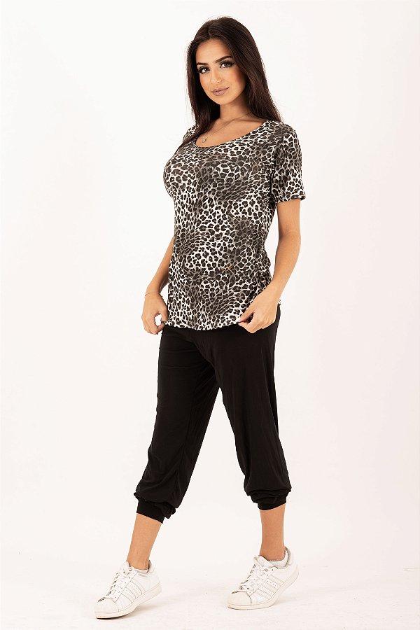Camiseta Feminina em Animal Print Onça Cinza