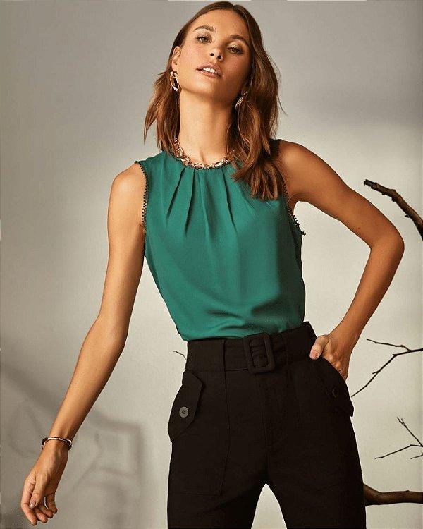 Blusa Crepe Regata Pregas Renda Verde Unique Chic