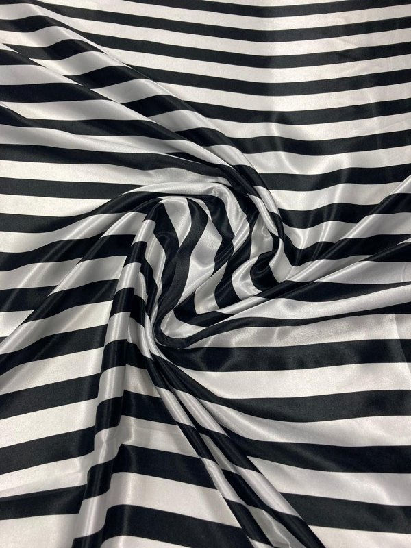 Tecido Cetim Estampado Listrado Branco e Preto 1,40x1,00m