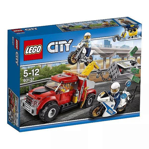 LEGO City Caminhão Reboque em Dificuldades - 144 Peças