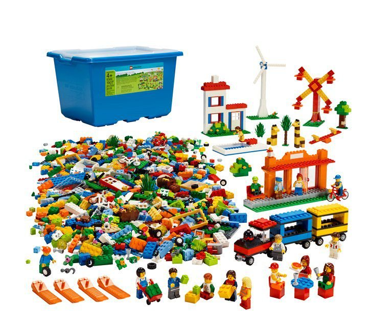 LEGO EDUCATION 9389 COMMUNITY STARTER SET