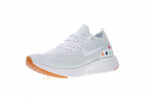 9e91a110 Tênis Nike Epic React Flyknit - Feminino - White Balls - Os Melhores ...