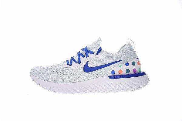 5cddb9cbe535 Tênis Nike Epic React Flyknit - Masculino - Branco e Azul - Os ...