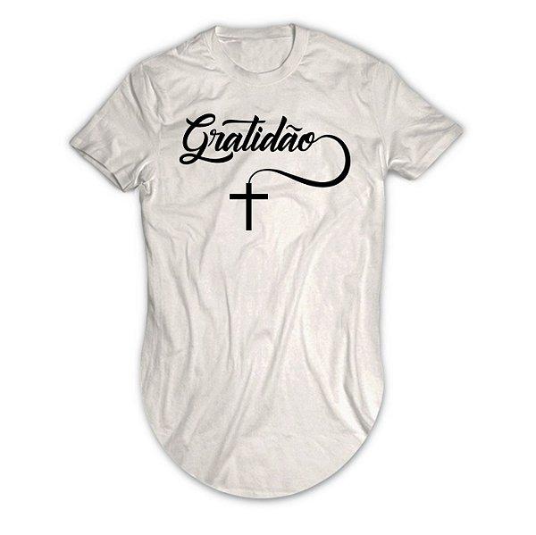 Camiseta Longline Gratidão com Cruz