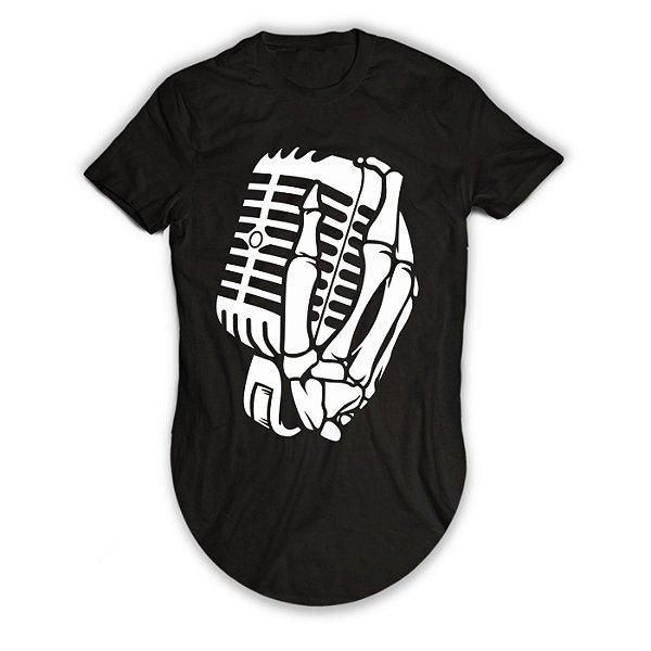 Camiseta Longline The Music Skull, Caveira com a Mão no Microfone