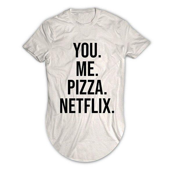 Camiseta Longline You Me Pizza Netflix