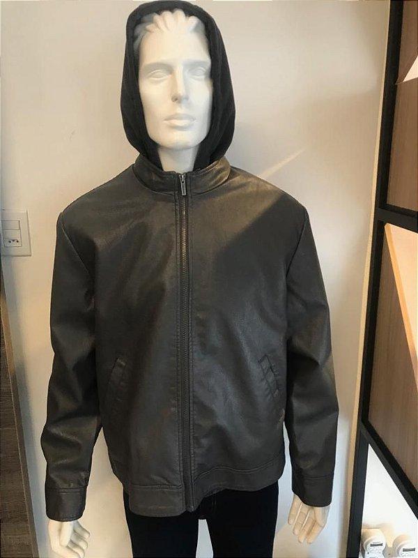 Jaqueta Masculina Em Material Sintético Com Capuz Em Moletinho