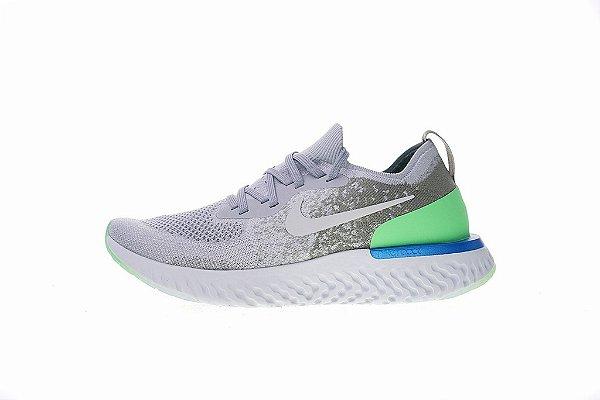 a8aad491 Tênis Nike Epic React Flyknit - Feminino - Cinza e Verde - Sua ...