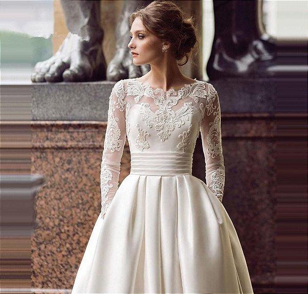 Vestido Noiva Evasê Manga Longa em Cetim com Bolsos