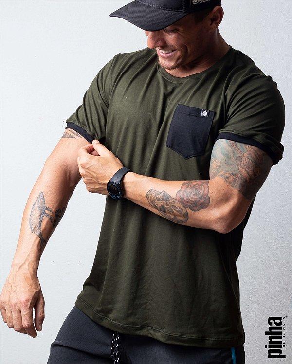 Camiseta Verde Musgo com bolso- Sustentável - Pinha Originals