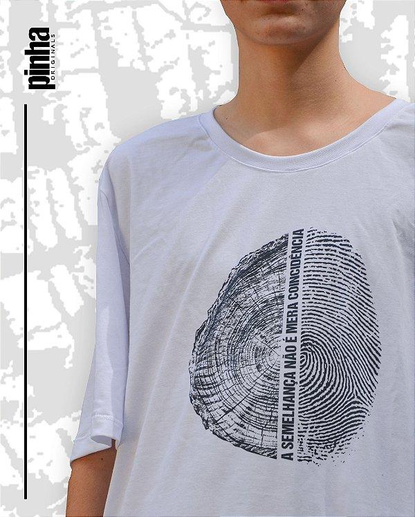 Camiseta Semelhança -Pinha ECOFRASES