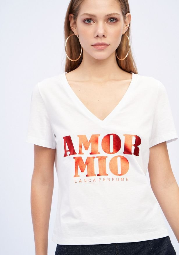 T-shirt Decote V Lança Perfume