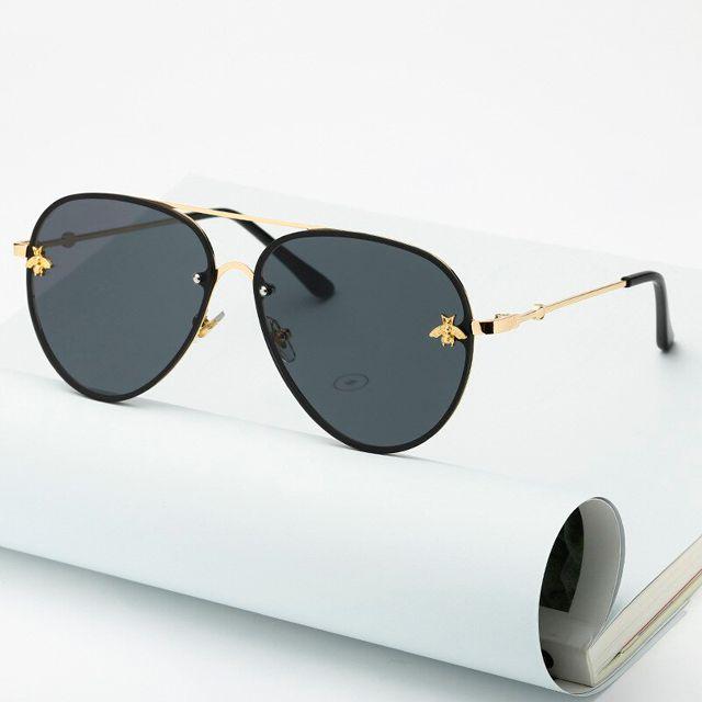 Óculos de sol estilo aviador. Unissex. Coleção Bee – by Carol Schutz