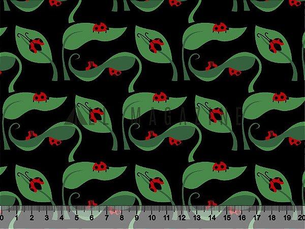 Tecido tricoline folhas com Joaninhas fundo preto