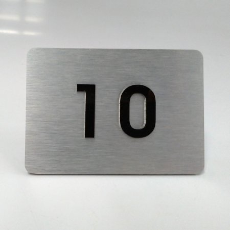 Placa de ACM Aço Inox Escovado para Apartamento com 2 Números na Cor Preta