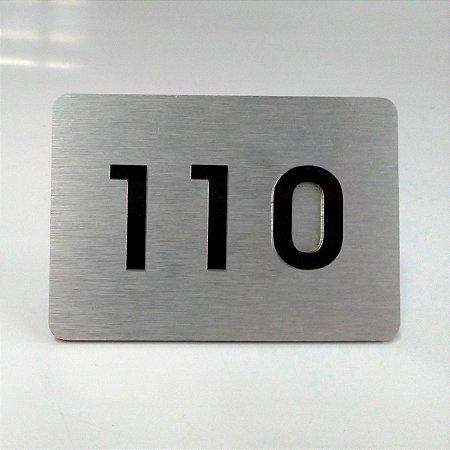 Placa de ACM Aço Inox Escovado para Apartamento com 3 Números na Cor Preta