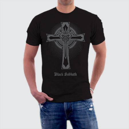 Camiseta Black Sabbath Cruz