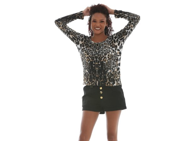 32. Blusa Thelure