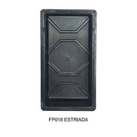 Forma Plástica Retangular Estriada 30x15cm Bloquete FP018