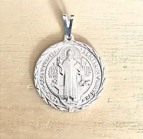 Pingente Medalha de São Bento Prata