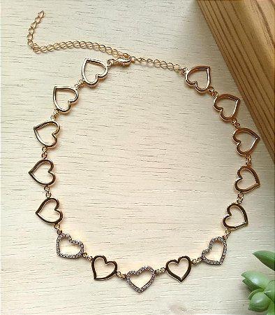 Chocker Coração Vazado Dourado