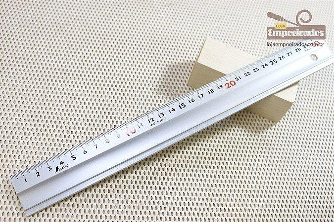 Escala ou Régua de Alumínio Shinwa - 300mm / 30cm