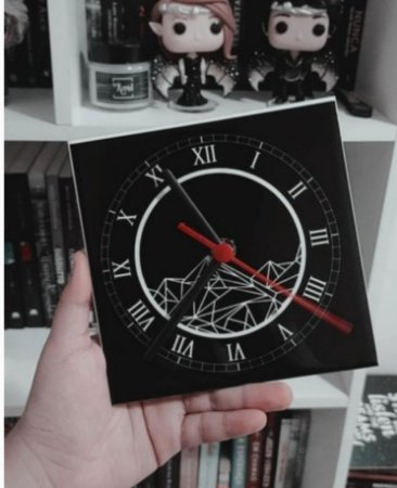Relógio | Corte de Espinhos e Rosas