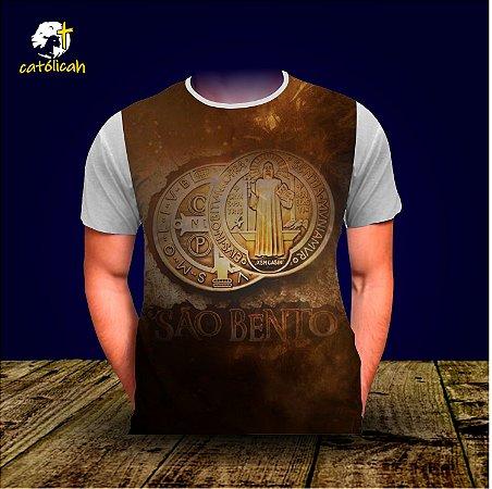 """Camiseta """"Medalha de São Bento"""" - modelo 01"""