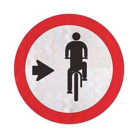 Placa Ciclista, transite à direita R-35b