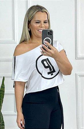 T-Shirt com Detalhes