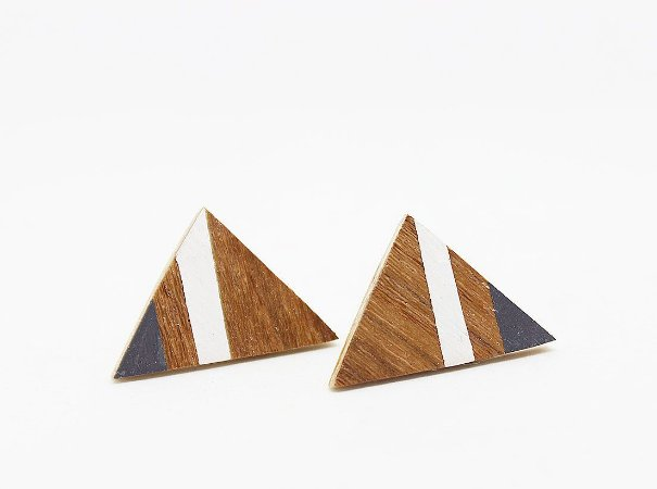 Brinco Triângulo Cinza