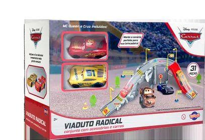 Kit - McQueen e Cruz Roda Livre - Rampa e Acessórios - Disney - Toyng
