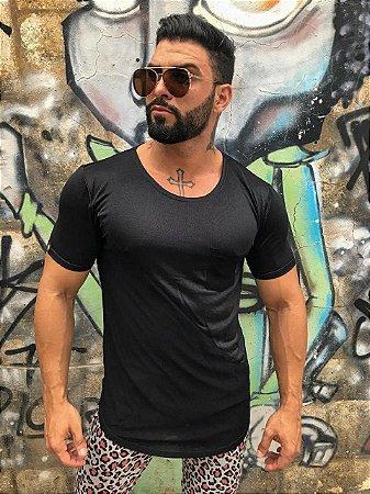T-SHIRT VISCO BOLSO - PRETA