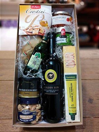 Caixa de vinho e petiscos