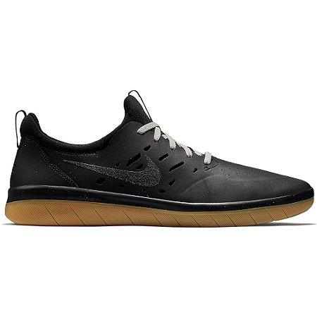 Tênis Nike SB Nyjah Free Black / Gum