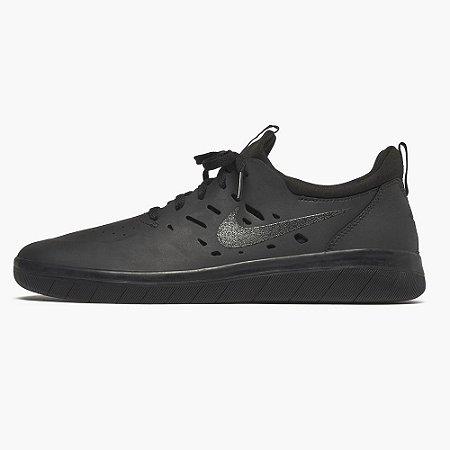 Tênis Nike SB Nyjah Free All Black