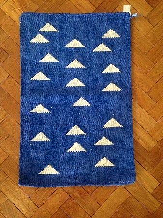 Tapete Triangulos Cru/Azul