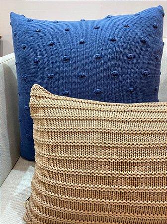Almofada de Tricot Azul Naval Bolinhas 55x55