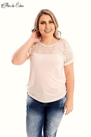 Blusa Plus Size Feminina Em Viscose Com Detalhes Em Renda