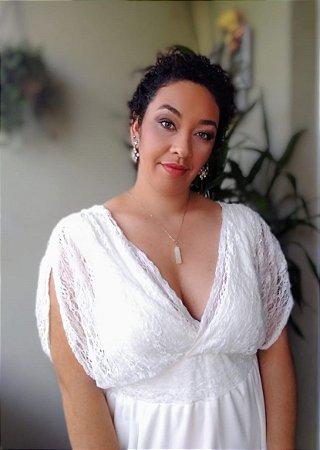 Vestido Evasê Off White com Renda Plus Size