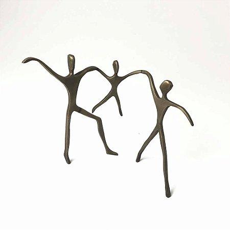 Escultura Passeio Casal com Menino