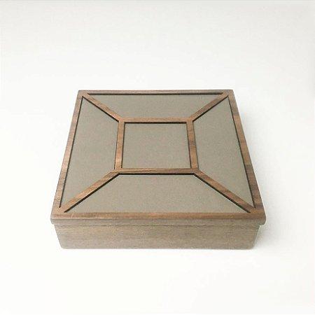Caixa Quadrada Madeira e Marrom Polido