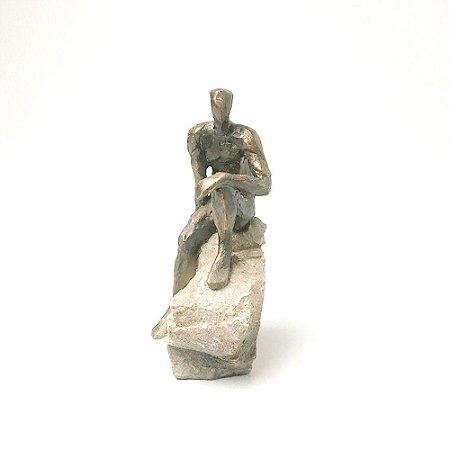 Escultura Homem na Pedra