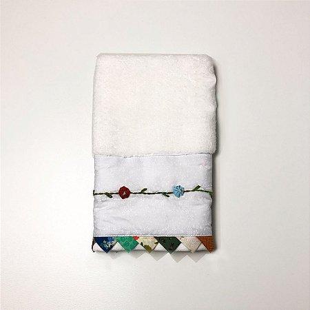Toalha para Lavabo - Branca com Flores