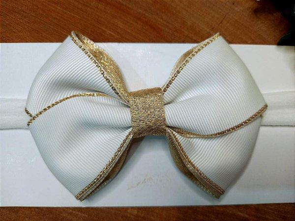 Laço cruzado branco com dourado