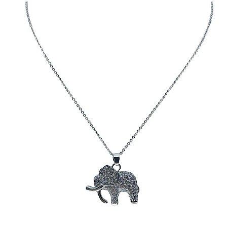 Colar delicado pingente elefante cravejado de zircônia