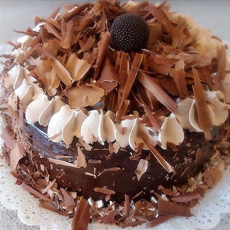 Torta Mousse de Chocolate com Baba de Moça