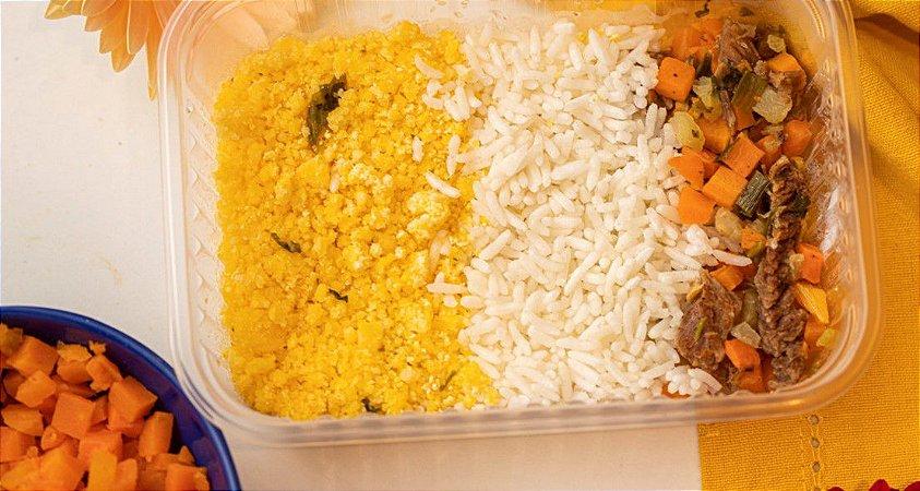 Picadinho de carne bovina com farofa de cuscuz e arroz branco - Brasileirinho