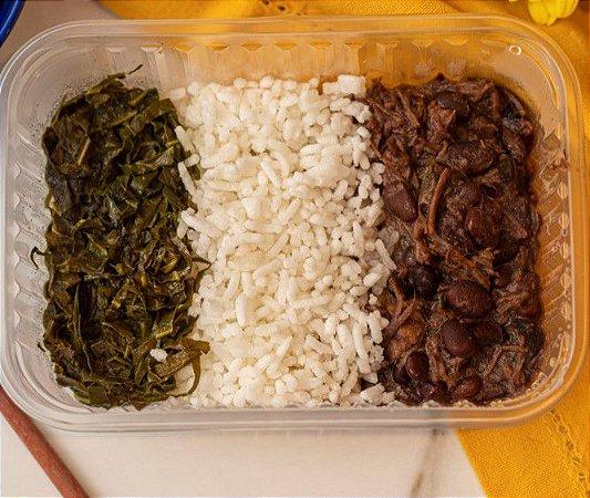 Feijoadinha do bebê com carne bovina, couve manteiga e arroz branco - Feijuca