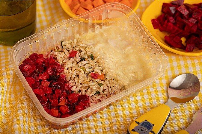 Cubinhos de frango ao molho de alho poró, arroz integral e legumes ao forno - Xodozinho